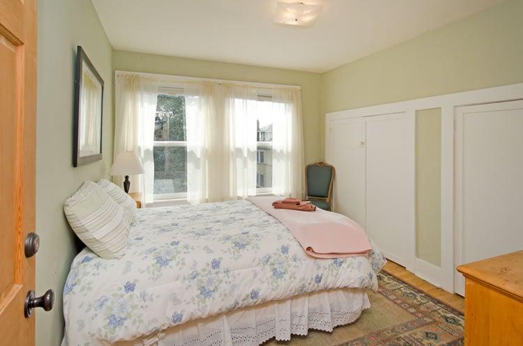 bedroom653