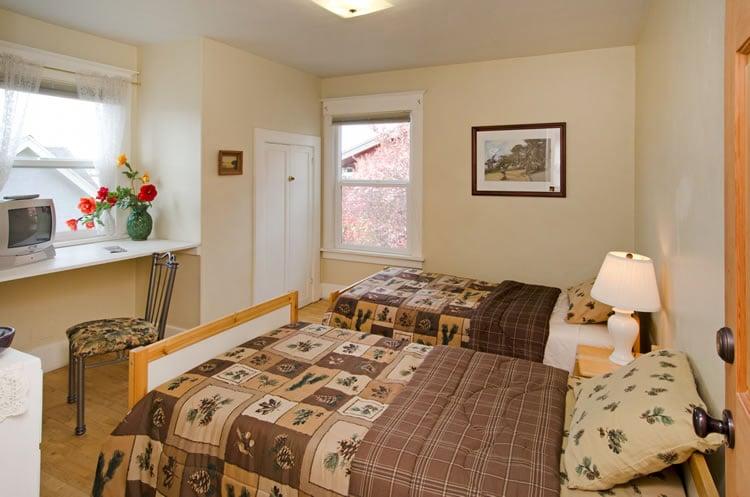 bedroom665